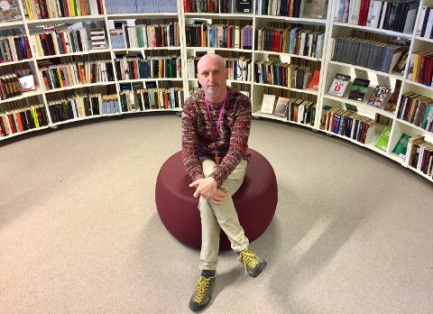 Per Roger Sandvik er en framtidsrettet sjef i et moderne bibliotek. Og en nynorskmann i et bokmålsted, men ingen fanatiker.