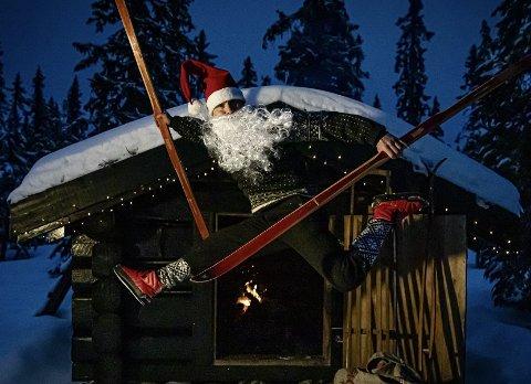 HANS PRØSH: Har alltid vært god med ski på beina. Lytter du på julesangen «Tomten» kan du høre hvordan han synger og, i bandet «Hassix».