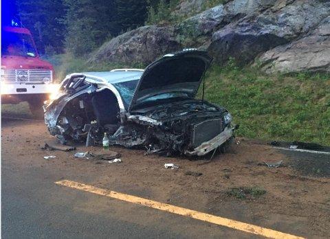 Bilen ble totalvraket i ulykken.