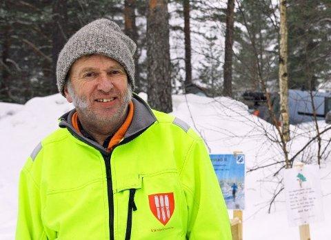 KANSKJE KOMMER OLAV: Kong Harald har invitert Olav Smedstad fra Gjerstad til Afternoon Tea på slottet. Men gjersdølingen har ikke bestemt seg ennå for om han skal dra...