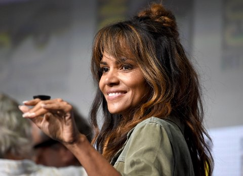 Halle Berry greets the audience at the 20th Century Fox panel on day one of Comic-Con International on Thursday, July 20, 2017, in San Diego. (Photo by Richard Shotwell/Invision/AP)