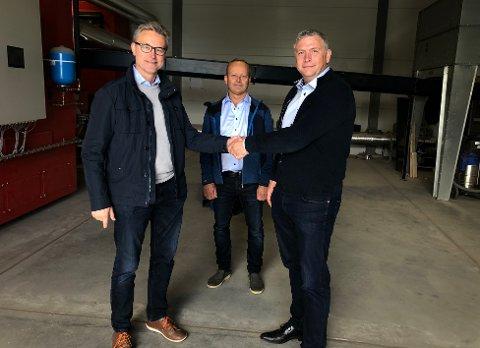 Avtalen er i boks: Odd Emil Ingebrigtsen og konsernet fikk ikke suksess med selskapet, som nå er solgt til Truls Paulsen og Terje Kårvand som skal drifte selskapet videre i det samme anlegget.