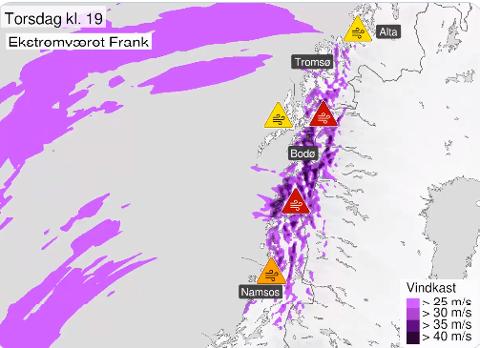 Det er ifølge Meteorologisk institutt ventet ekstremt kraftige vindkast i Nord-Norge som gjør det farlig å være utendørs.