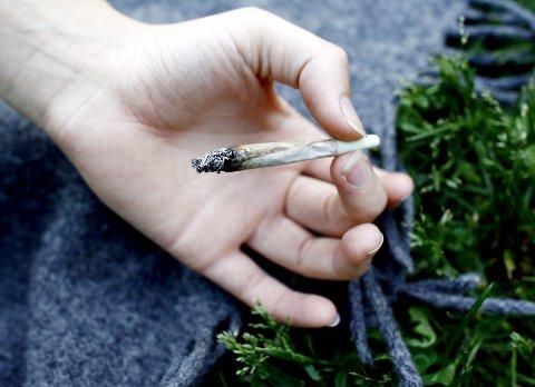 – Unge trenger kunnskap om konsekvensene av rusbruk, og foreldre må være tydelige rollemodeller. Foto: NTB/Scanpix