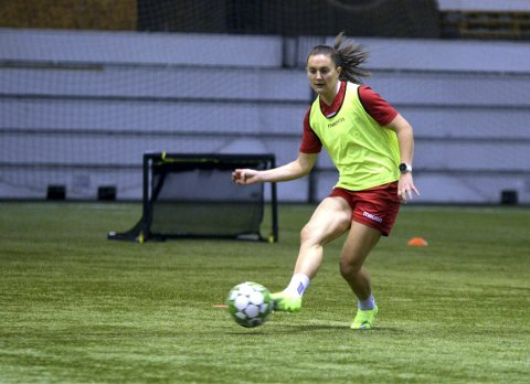 Vilde Bøe Risa (25) er for tiden klubbløs, men landslagsspilleren kan fort komme til å signere for en europeisk storklubb.