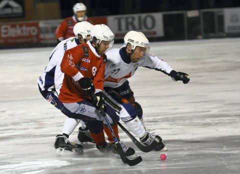 DRAMMEN-OPPGJØR: Konnerud og Filip Johnsen (t.v.) slo Drammen og Jørgen Bergli 4-2 i bronsefinalen.