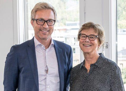 NY STABSLEDER: Prosjektrådmann Elisabeth Enger er godt fornøyd med å ha fått Fredrik Holtan med på laget som stabsleder for oppfølging og analyse. Når Holtan tiltrer, vil han fungere i den ledige direktørjobben inntil videre.