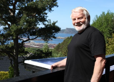 AKTIV: Per Grøtting har delteke på mellom 15 og 20 utstillingar opp gjennom åra. Han har fått meir tid  til å jobbe med kunsten sin etter at han pensjonserte seg for fem år sidan.