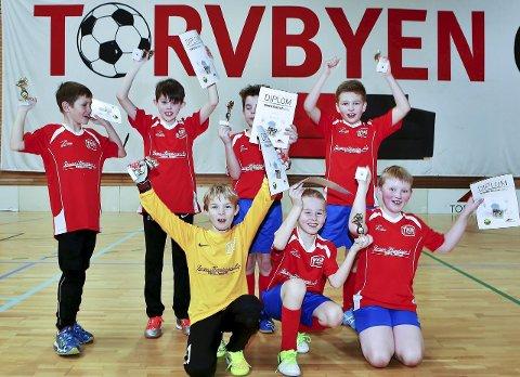 Premieutdeling: Guttene på Begby svart jubler etter å ha vist mye bra spill gjennom hele turneringen. ALLE FOTO: Harry Johansson