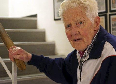 RYSTET: Torleif Johansen fra Narvik beskriver stoppen ved Stetinden som en sjokkerende opplevelse. Han synes det er ille at turister skal bli presentert for slike toalettforhold som han fant når de besøker Norges nasjonalfjell. Foto: Fritz Hansen