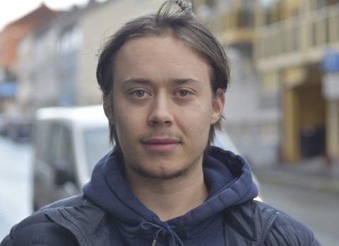 BLIR: Tom Andre Christensen forlenger sin avtale med Narvik hockey.