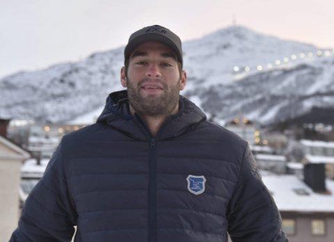 LIKTE SEG GODT MED EN GANG: Jake Bolton liker naturen, og skryter allerede av Narvik etter kort tid i byen.Foto: kjell Kolsvik