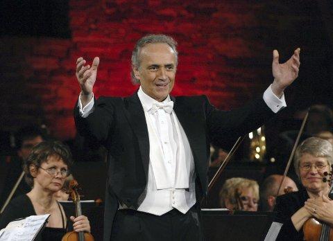 Gleder seg: Den spanske tenoren José Carreras har sendt en hilsen til publikum i Horten. Han gleder seg.