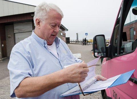 BEVIS: Paulsen Buss kjører med ruteløyve, slik loven krever, sier Jan Stiansen.