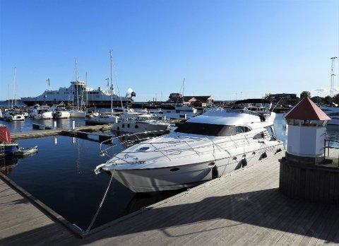 POPULÆRT: Å legge til i gjestehavna i Horten er det stadig flere som gjør. I år ble det registrert rekordmange gjestedøgn i havna. Nå har de nye prisene for gjestehavnene i Horten og i Åsgårdstrand blitt justert for 2020.