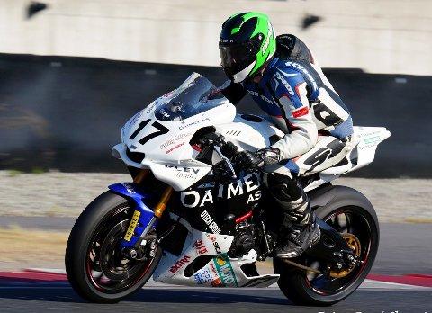 RUTINERT:  Helge Spjeldnes forbereder seg nå til en ny NM-sesong i roadracing. Han fortsetter i teamet Daimex Racing, og satser for fullt i Superbike-klassen.