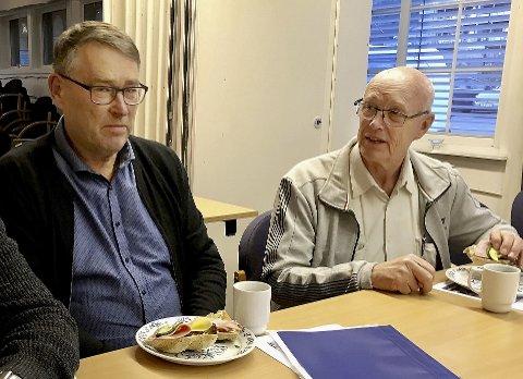 TOPPER PÅ NYTT: Arnfinn Gillebo (til høyre) tar gjenvalg som listetopp i Øyer KrF. Her sammen med Arne Nordby.