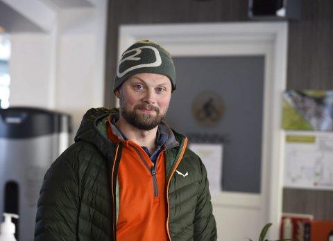 Tunvoll: Fysioterapeut Arne A. Lutro tok over ansvaret for Tunvoll trimstove og nyopna i starten av oktober. – Det er ikkje krise, men korona set preg, seier han. Foto: Eli Lund