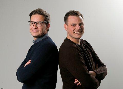 PROGRAMLEDERE: Terje Flateby og Eivind Kallevik leder både liveshowet lørdag og sendingen før den store kampen søndag.