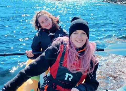 VIDEO: Iris Eyfjord Hreidarsdottir (28) og Kristina Louise Andersen Sørensen (25), som jobber med markedsføring for Wee, fikk en idé før helgen. Nå er videoen sett mange tusen ganger.