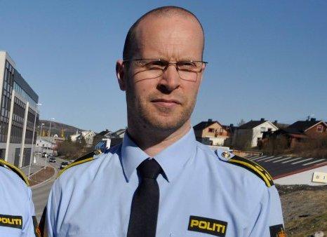 VIL GI FAMILIEN EN GRAV: Stabssjef i Finnmark politidistrikt, Tarjei Sirma-Tellefsen, sier politiet vil gjøre nye søk etter Tormod Andreassen (75) som ble meldt savnet etter at han ikke kom hjem fra en fisketur utenfor Båtsfjord 3. september.