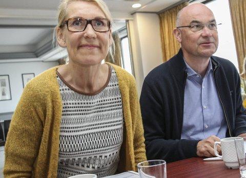 SYKEHUSTOPPER: Administrerende direktør Hulda Gunnlaugsdottir og styreleder i Helgelandssykehuset, Dag Hårstad ønsker at finansieringen av sykepleierutdanning i Sandnessjøen skal være i boks før utgangen av 2020.