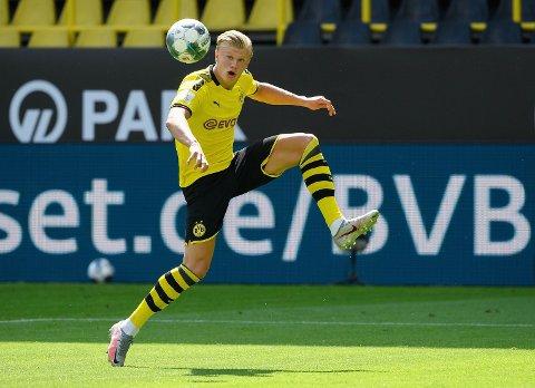 SCORER: Erling Braut Haaland scoret i åpningskampen for Dortmund.