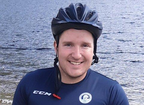 FISKESTOPP I SELJORD: 180 km staking i rullestol har kostet en del krefter, og Emil Vatne har bevilget seg en dags pause i Seljord.