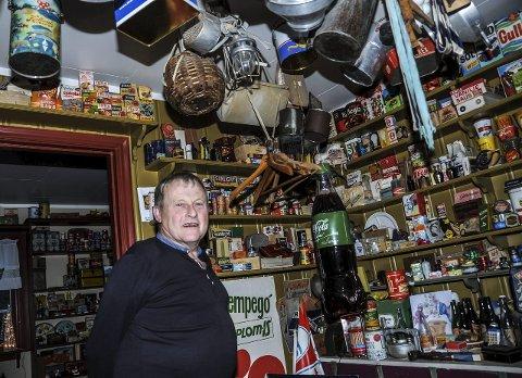 I «butikken» er det varer fra gulv til tak.