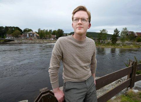 NABO: Even Røed reagerer med sjokk og sorg etter at fem naboer i Hyttegata ble drept.