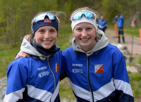 GODE VENNINNER: Ingeborg Roll Mosland og Ane Hustvedt er lagvenninner både i langrenn og i orientering, og skal nå til måle krefter mot Sverige.