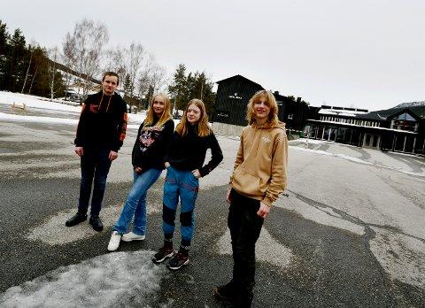 Andreas Aspelund Jensen, Tiril Lien, Mari Vollen og Oliver Pelsor-Krok er elevar på 9. trinn på Heidal skule.