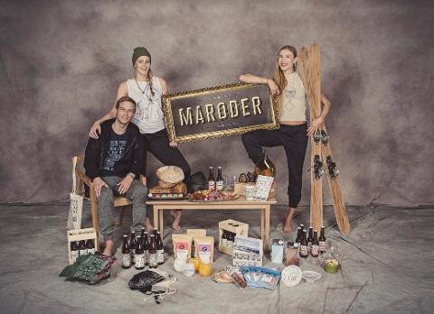 MADE IN TROMSØ: Vi samlet sammen en rekke produkter produsert i Tromsø. For å vise et utvalg Made in Tromsø. Fra venstre Espen Vik, Mia Mack og Christina Slette Johnsen.