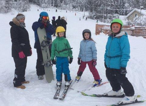 Biristrand skitrekk ligger rett ovenfor Biri skole. Slalåmbakken har et av Norges lengste tautrekk.