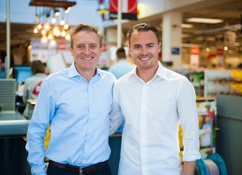 TIL AGENDA INNLANDET: Niklas Smith Skattum (t.h), her sammen med far Ted, er en av flere unge innledere under Agenda Innlandet på Hamar tirsdag.
