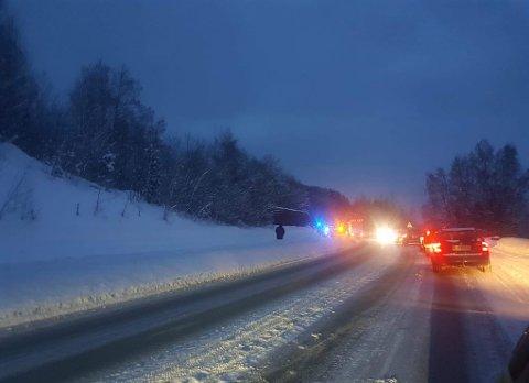 FYLKESVEI 33: To biler og en traktor var involvert i ulykka langs fylkesvei 33.