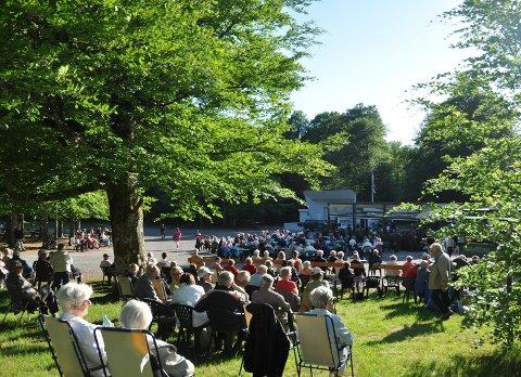 GLAJAZZ: Jazzen på fredagene i Bøkeskogen er et populært arrangement Men i år blir det et annerledes år. .