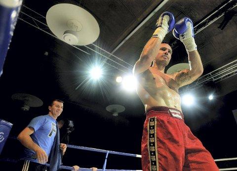 REGJERENDE VERDENSMESTER: Robert Paulsbyen er regjerende verdensmester i proff kickboksing i fullkontakt -88,6 kilo. 8. september skal han forsvare tittelen sin på hjemmebane i Terningen Arena.