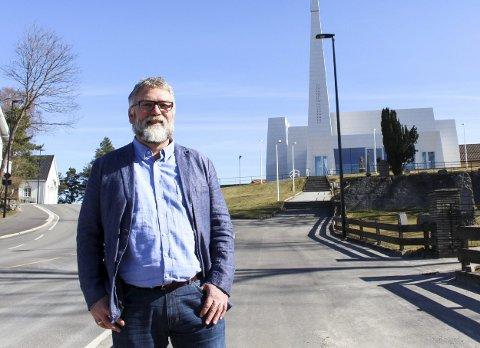 Kirkesjef: – Jeg har et godt forhold til meningsmotstanderne. Vi har respekt for rollene vi har, sier Johannes Sørhaug.