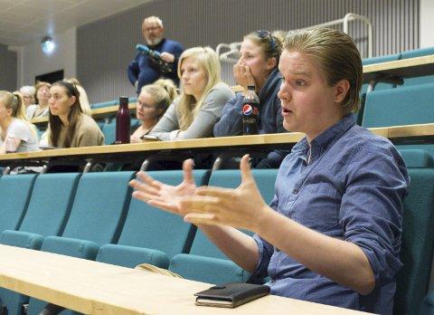 Kamplysten: Johannes Heiskanen ofrer gjerne tid han kunne brukt til studier og fritid, for å kjempe for å bevare lærerutdanninga på Nesna. Foto: Vegard Anders Skorpen
