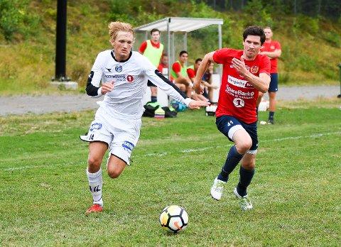 Måtte slite: Sivert Holth Sætra var MFKs beste, og scoret ette av målene i en skuffende kamp.