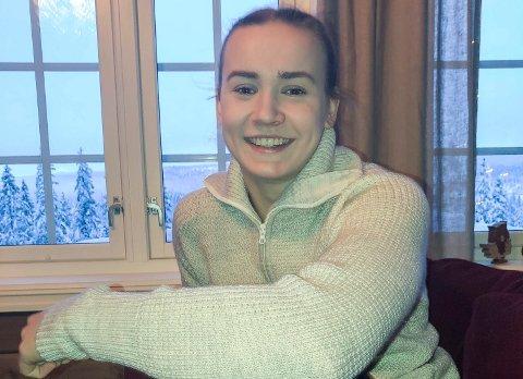 FINALEKLAR: Maren Sjaamo lader opp til NM-finalen på hytta på Vikerfjell.