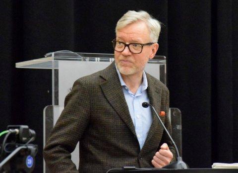 EKSTRA-RUNDE: Kommunedirektør i Hole, Torger Ødegaard, anbefalte politikerne å godta avtalen etter ekstrarunden.