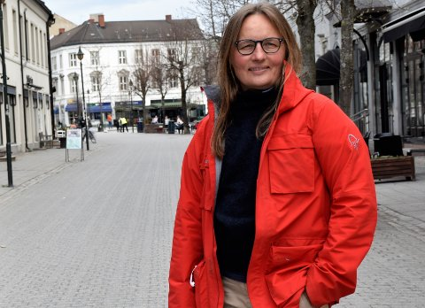 RØDT I HOVEDSTADEN: - Det er greit å ikke reise til Oslo dersom man ikke absolutt må, sier kommuneoverlege Karin Møller.