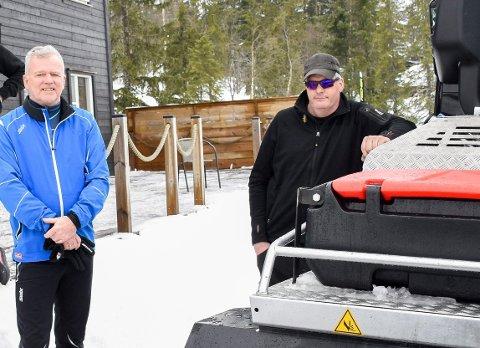 UTFORDRENDE: Steinar Aune og Stein Olav Bleken kan fortelle om en tøff vinter på Vikerfjell - men også om strålende forhold i løypene.