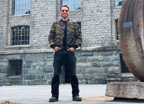 GLEDER SEG: Jørgen Munkebye gleder seg stort til å streame fra Vemork, og det blir overraskelser underveis også.