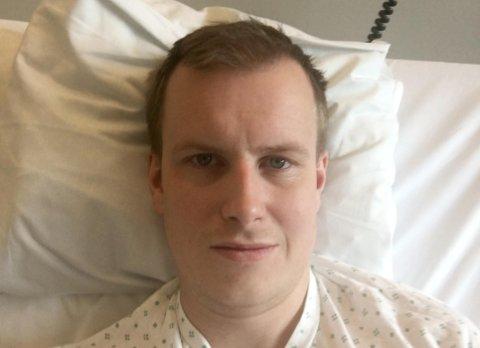 PÅ SYKEHUS: Gisle Mølmen Sellevik ligger tirsdag på Ahus med punktert lunge etter at han ble stukket med skrutrekker av en innbruddstyv.