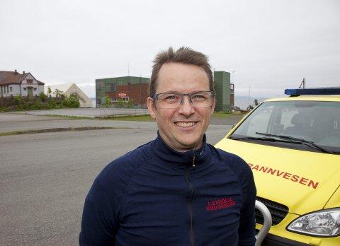 OVERRASKET: Brannsjefen i Hurum, Nils Georg Nordskag, er overrasket over forslaget om å legge ned brannstasjonen på Tofte. Arkivfoto: Henning Jønholdt