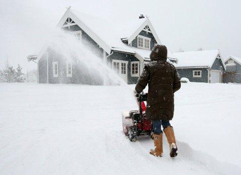 FREKKE: Minst tre snøfresere er stålet i Røyken den siste tiden. Nå ber politiet om å passe på snøutstyret sitt. Illustrasjonsfoto: Bjørn Sigurdsøn/NTB scanpix
