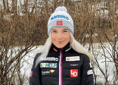 EN AV NI: Frida Berger i Røykenhopp er en av ni kvinnelige hoppere som skal i aksjon i Midtstubakken til helga.